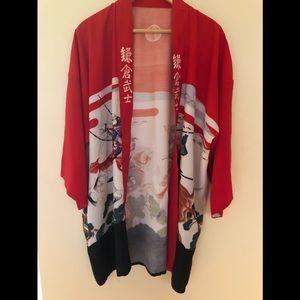 Tops - Silk 💯% silk Asian kimono
